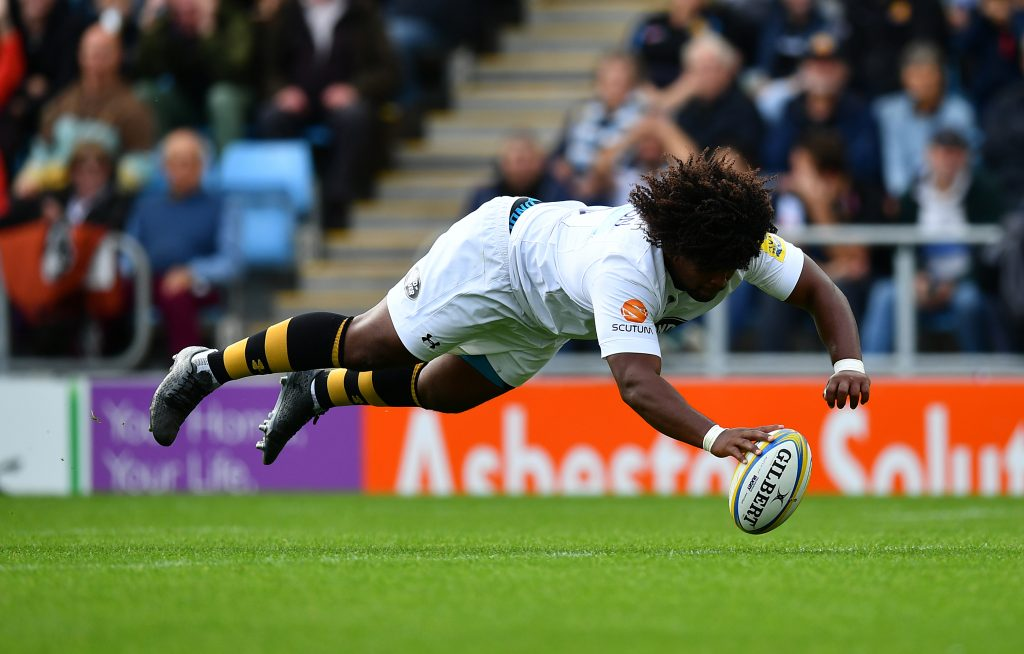 EXETER, ENGLAND - SEPTEMBER 24: Ashley Johnson of Wasps dives over to score his side's first try during the Aviva Premiership match between Exeter Chiefs and Wasps at Sandy Park on September 24, 2017 in Exeter, England. (Photo by Dan Mullan/Getty Images)